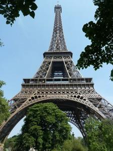 Das Wahrzeichen von Paris - der Eifelturm (c) Openhouse Group