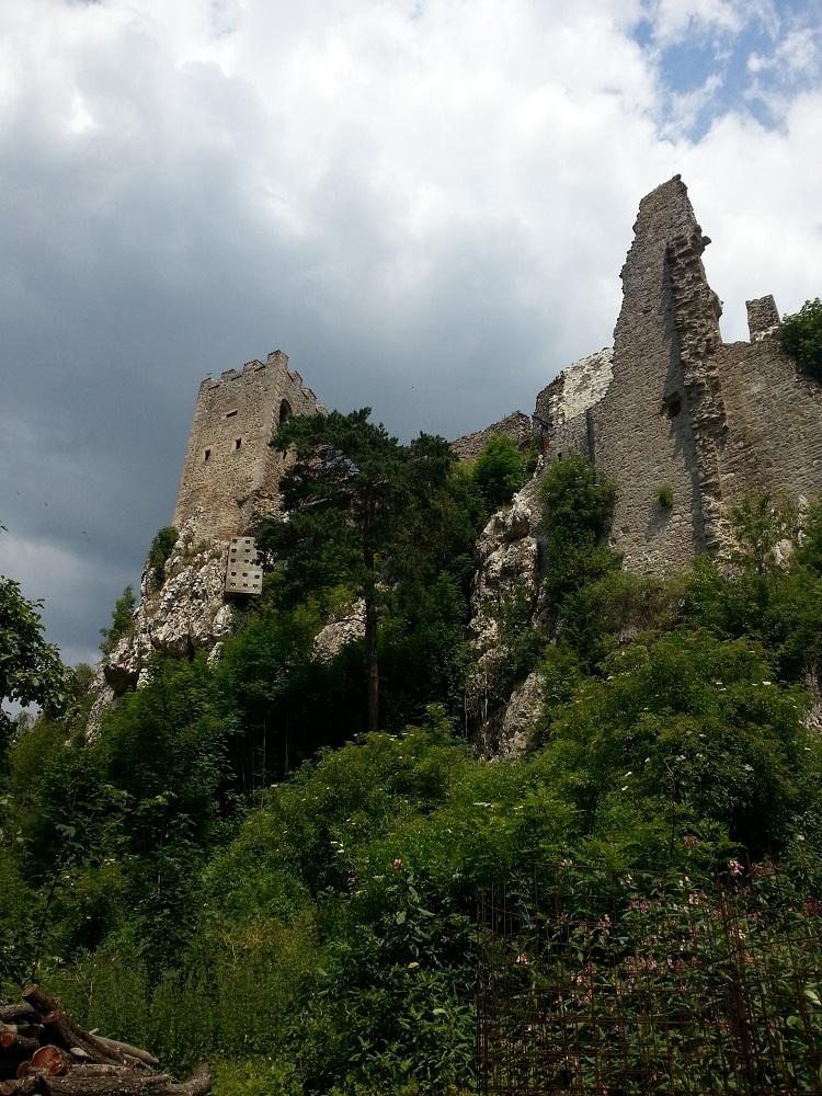 Der Burgfried der Burgruine Weißenstein