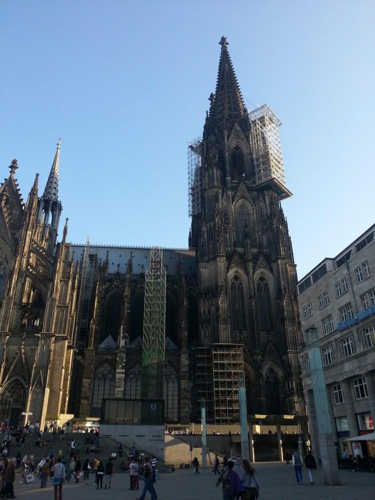 Der Kölner Dom, das Wahrzeichen der Stadt am Rhein