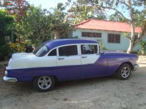 Kubanischer Straßenkreuzer aus den 50ern